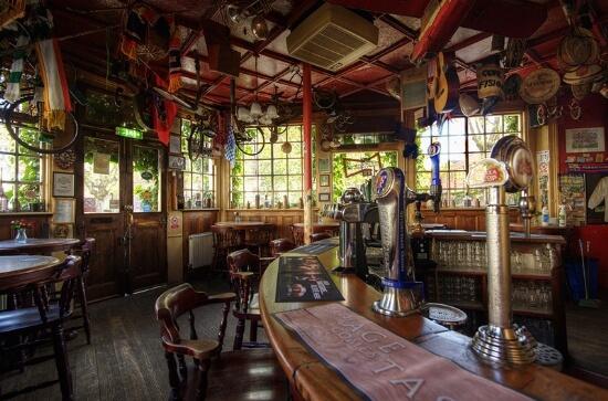 pubs-queen-london-4