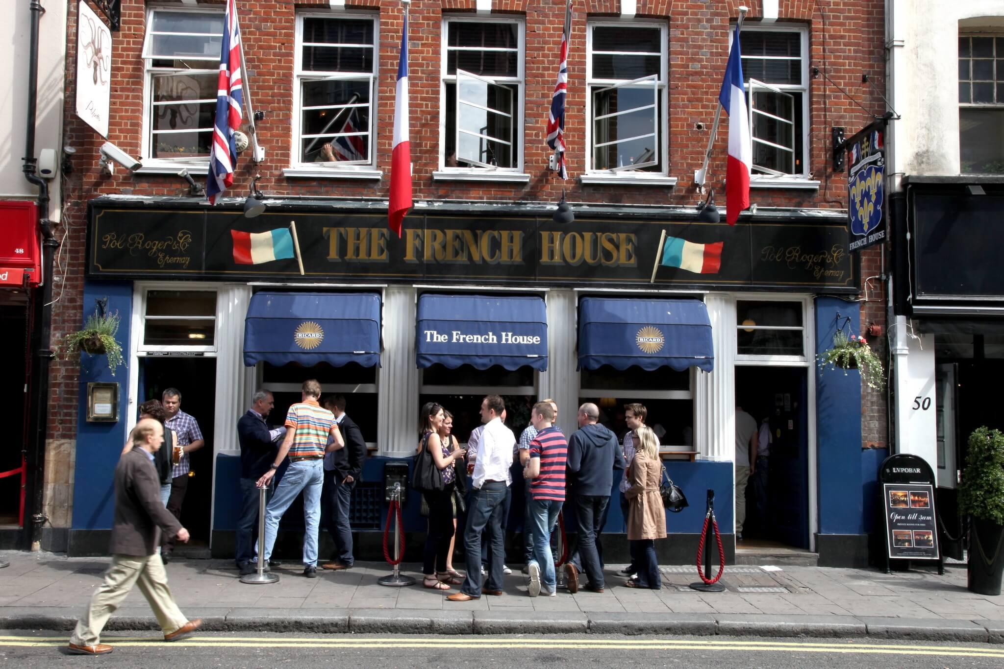 pubs-queen-london-3