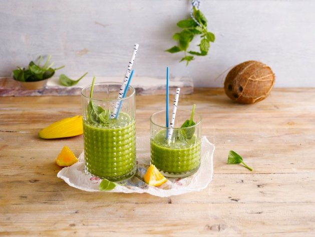Small-SMOOTHIE+COCO+DRINK+SPINACH_00021_630x472
