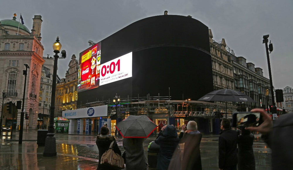 lights-off-piccadilly