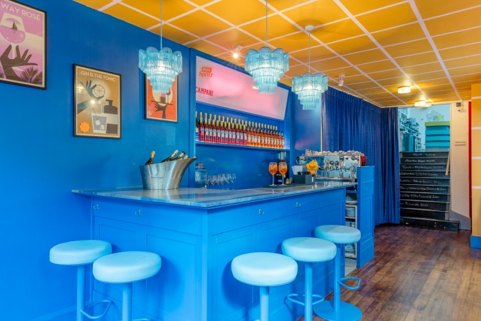 drink-shop-do-aperol-bar