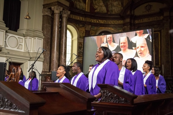 singing-choir-sister-act