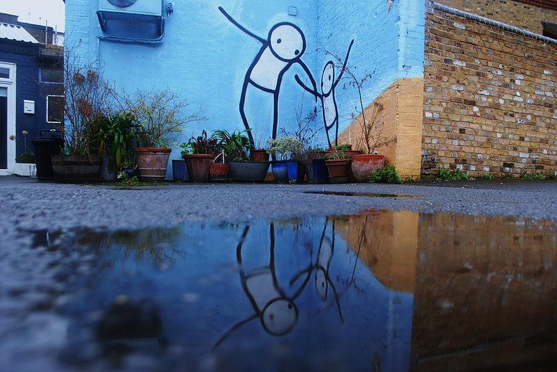Stik Dulwich blue puddle London street art