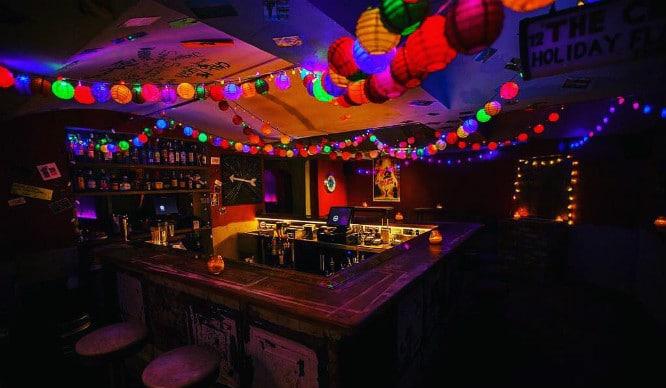 Weu0027ve Uncovered 7 Of The Best Hidden Speakeasy Bars In London & Find 7 Of Londonu0027s Hidden Speakeasy Bars Behind Secret Doors