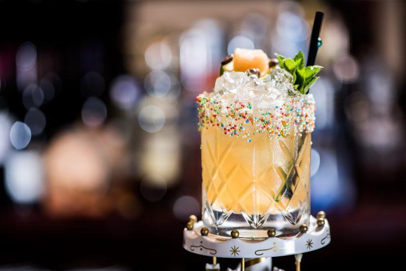 MILESTONE-carousel-cocktail