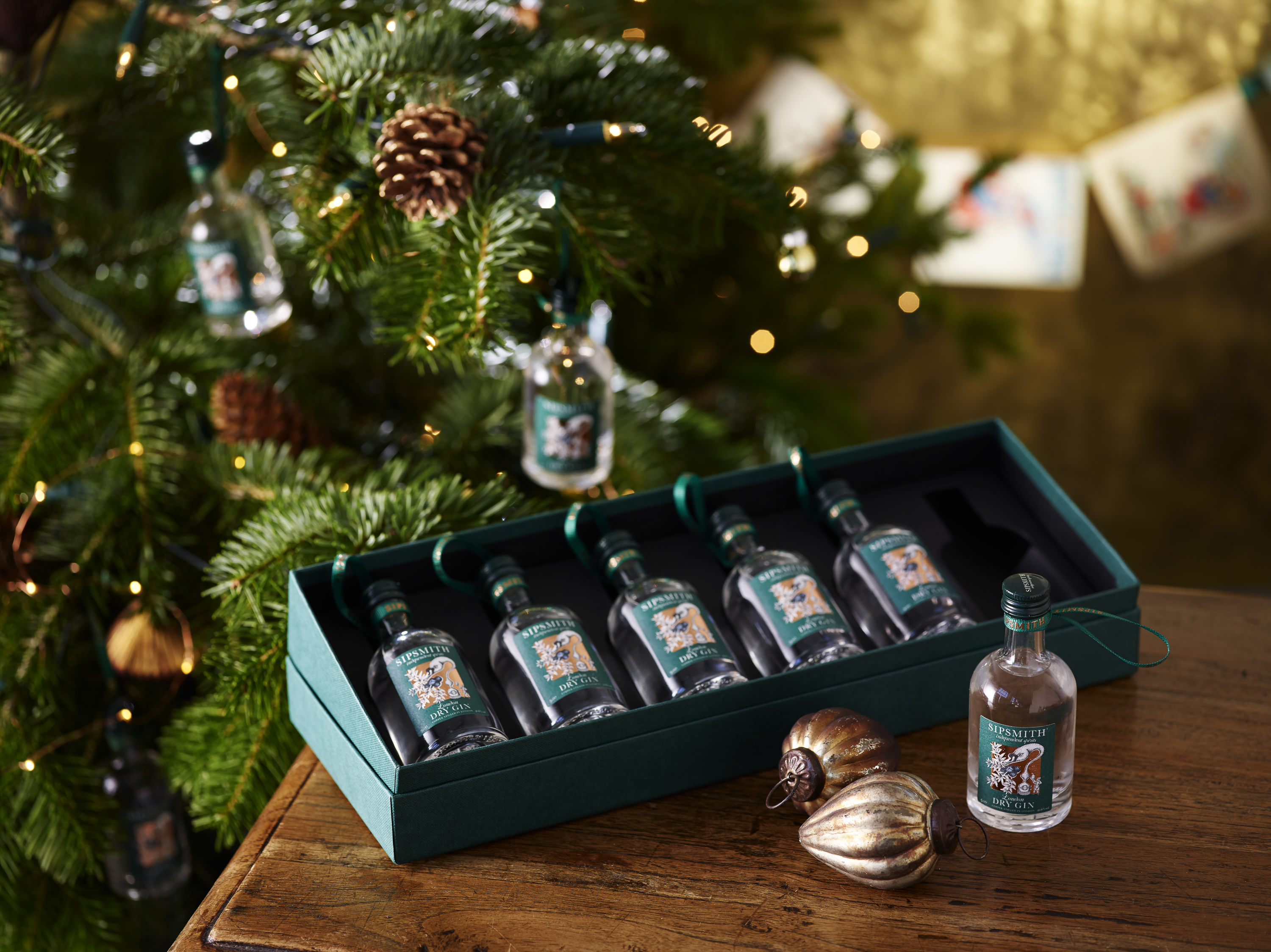 sipsmith-gin-baubles