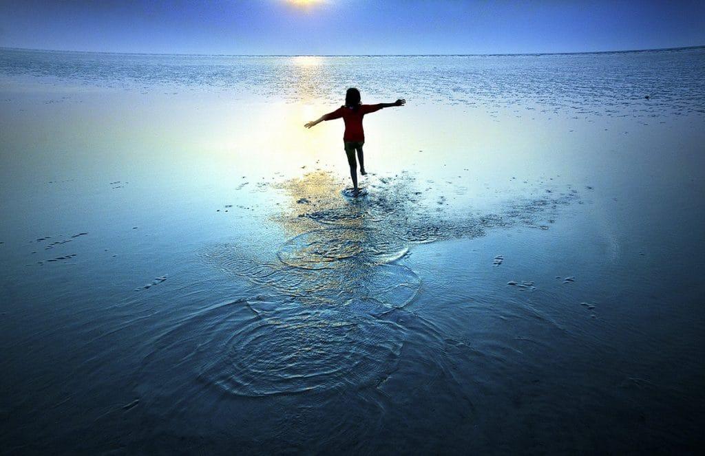 sea-splashing