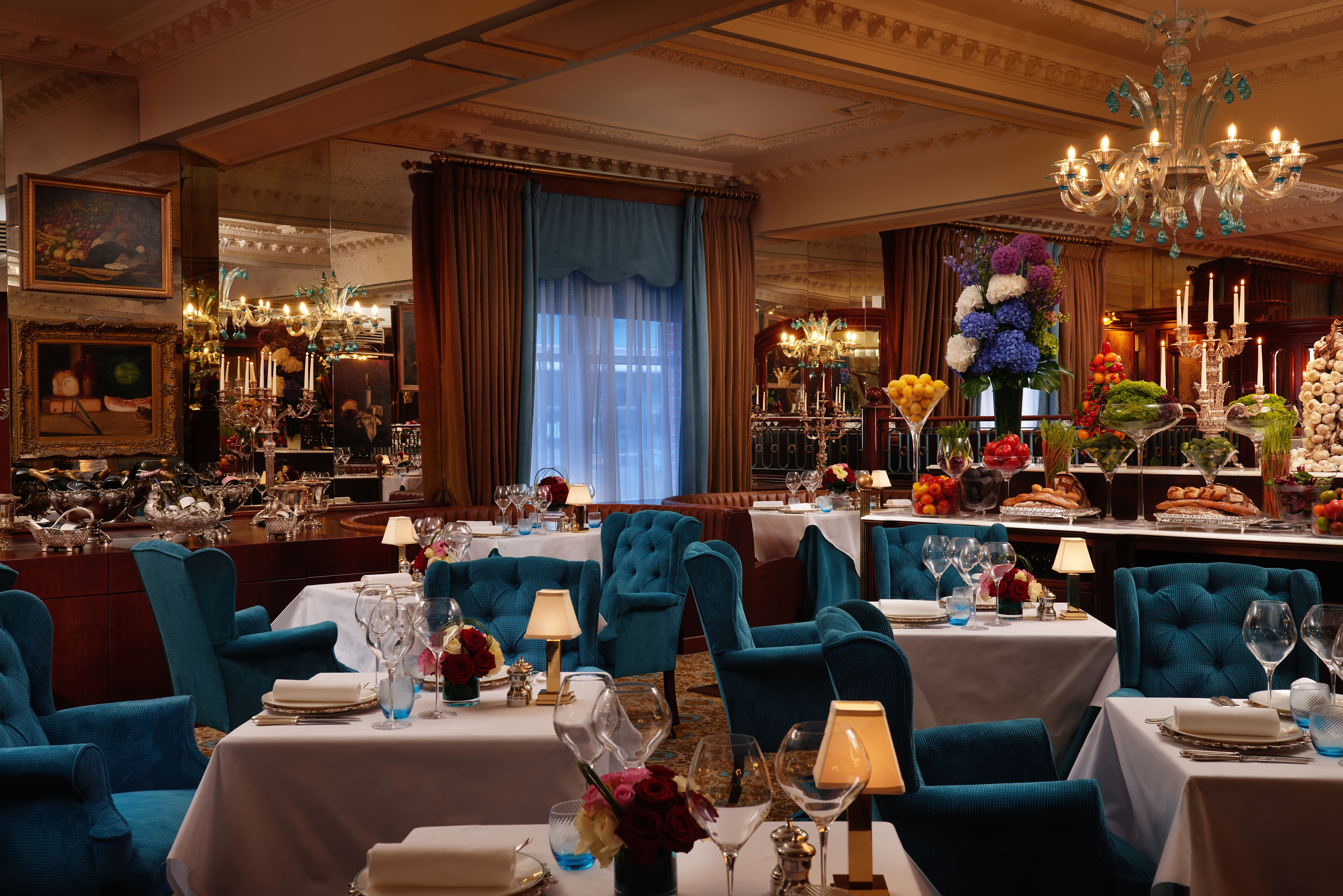 The English Grill: Stunning Restaurant Overlooking Buckingham Palace