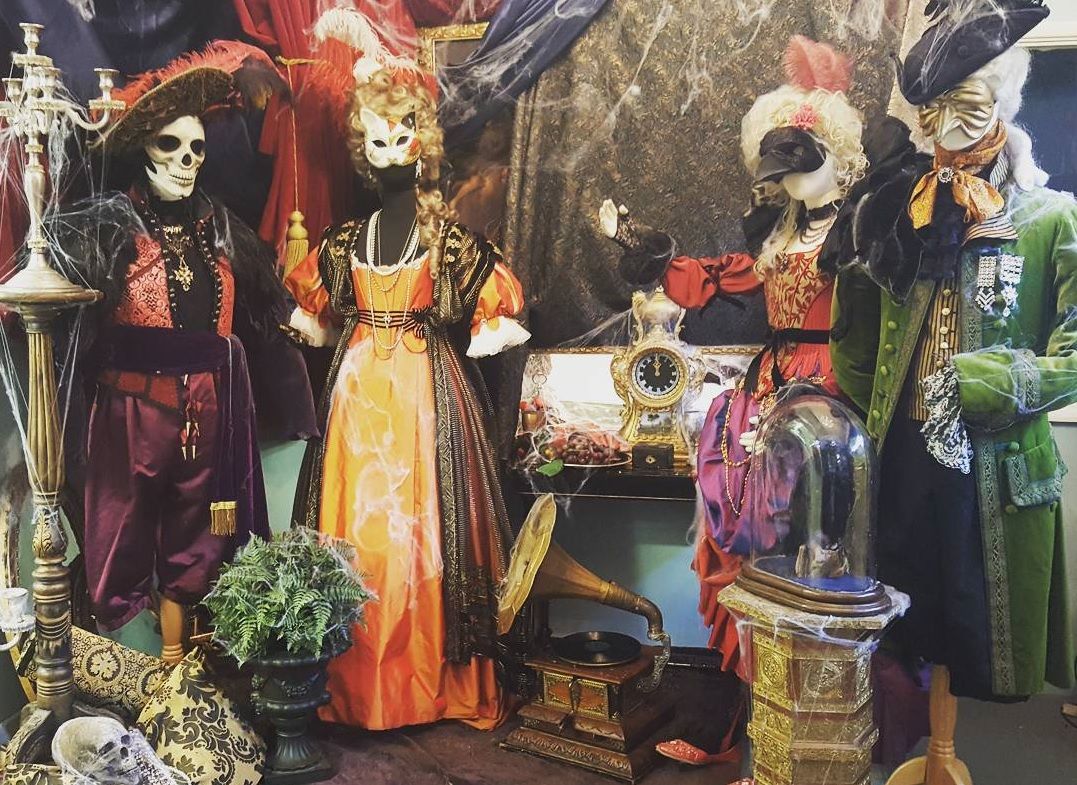 Looking For A Fancy Dress Shop In London To Hire A Halloween Costume? Our  Guide To London Costume Stores Has The Answer!