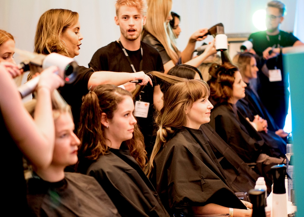 stylist-live-hair