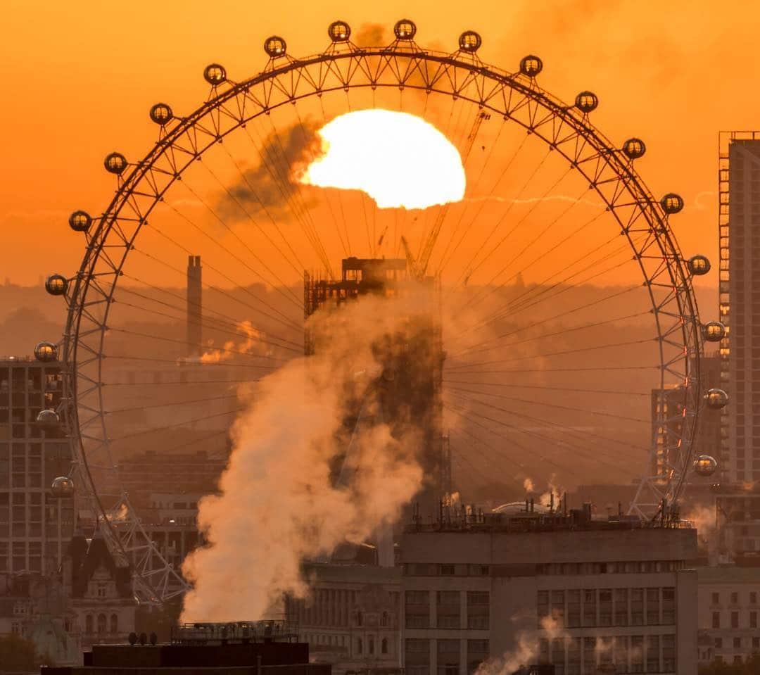 London Eye sunrise photograph
