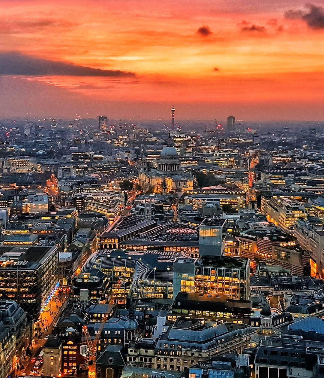 London sunset photograph - satishkguddu