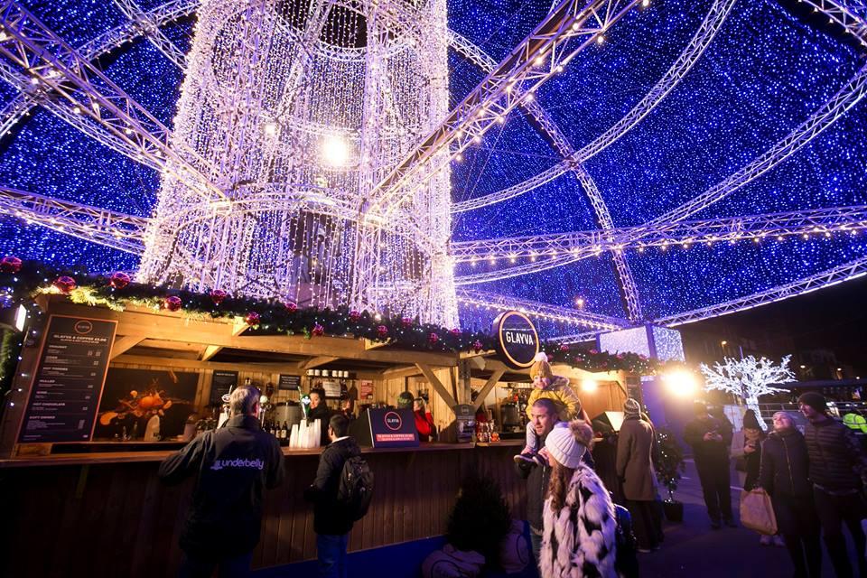 edinburgh-christmas-market