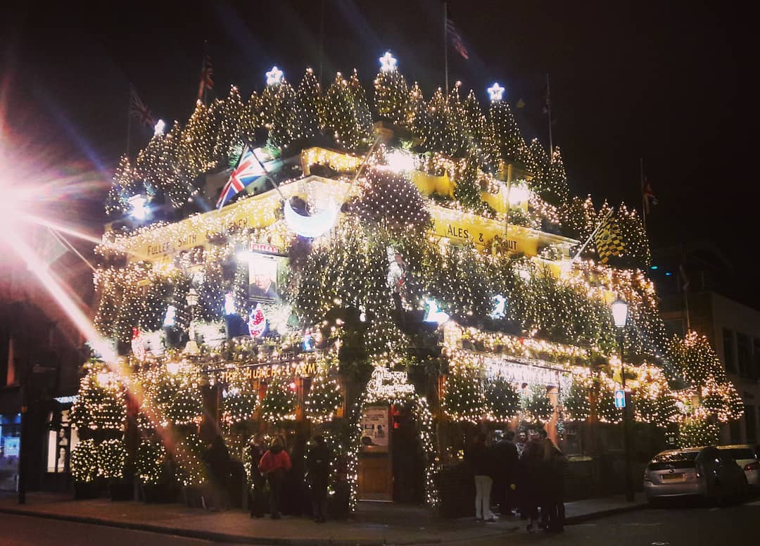 London At Christmas Images.The Most Christmassy Pub In London Turned On Its Lights This
