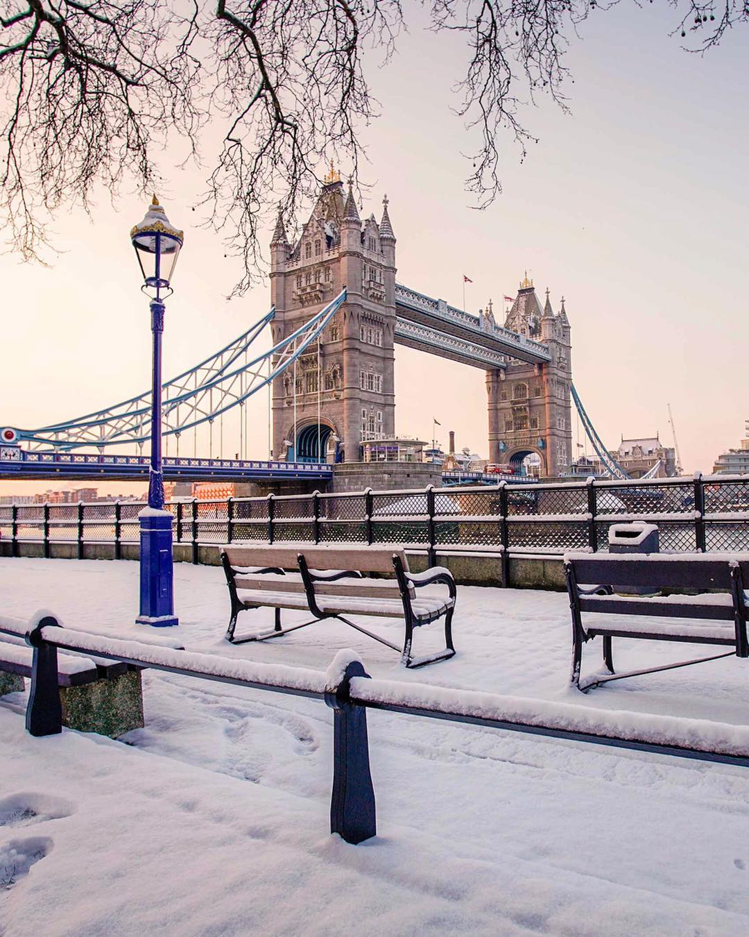 snowy-tower-bridge