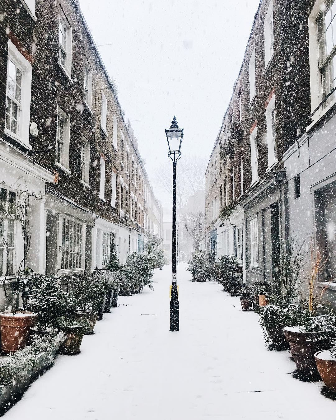 16 Pictures Of London Looking Lovely In The Snow