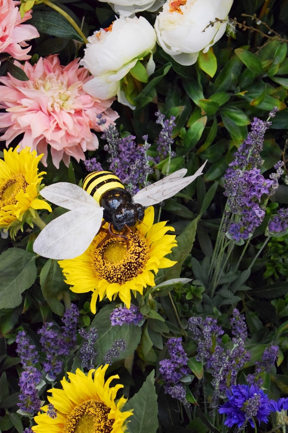 dalloway-terrace-bee-large