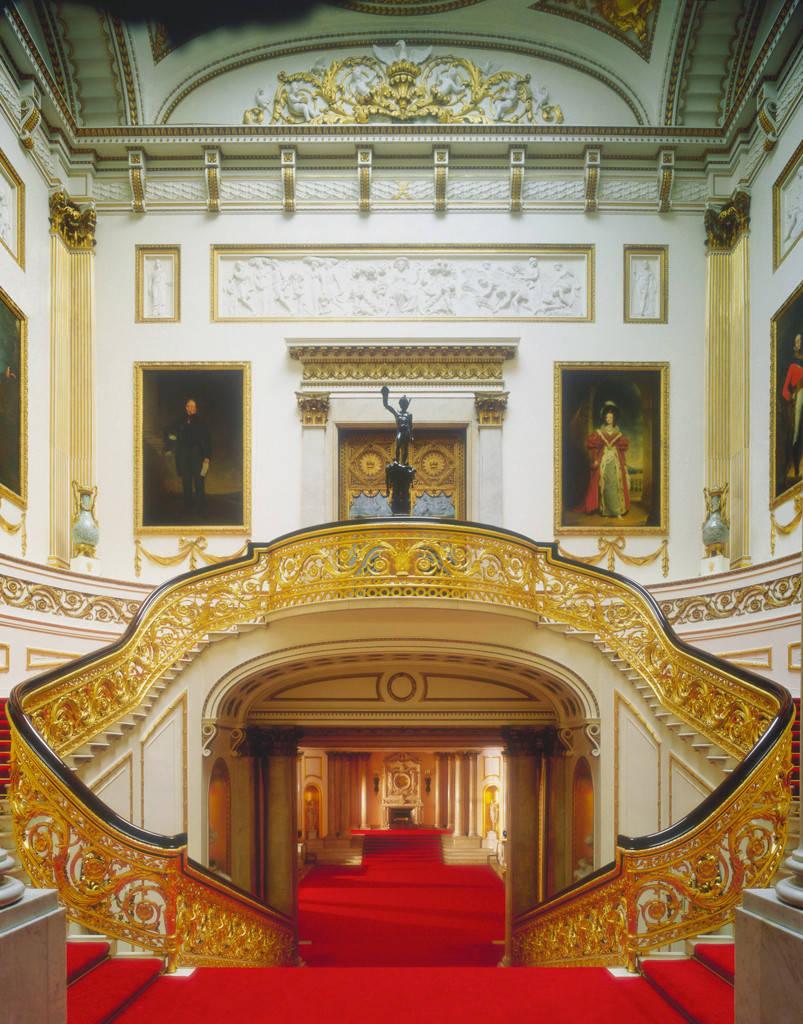 buckingham-palace-staircase