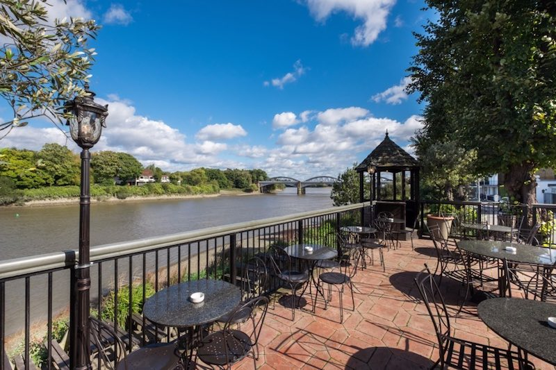 Riverside pubs on the thames Barnes