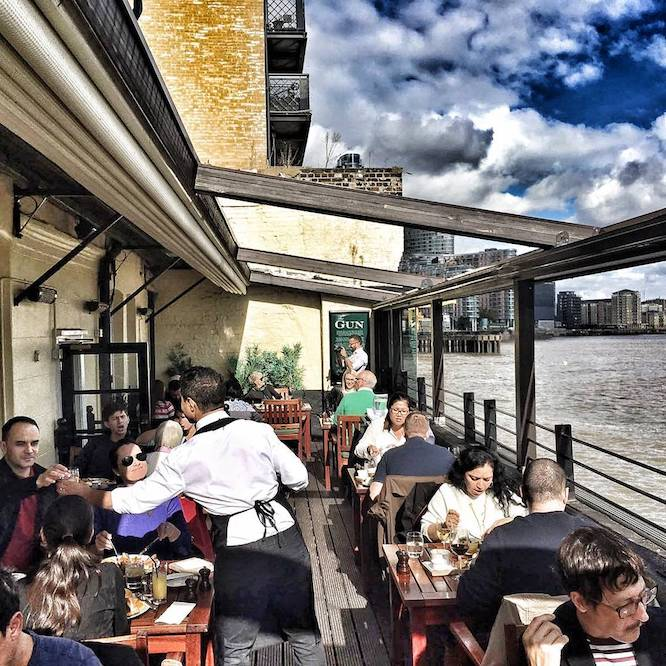 Riverside pubs - Gun Docklands