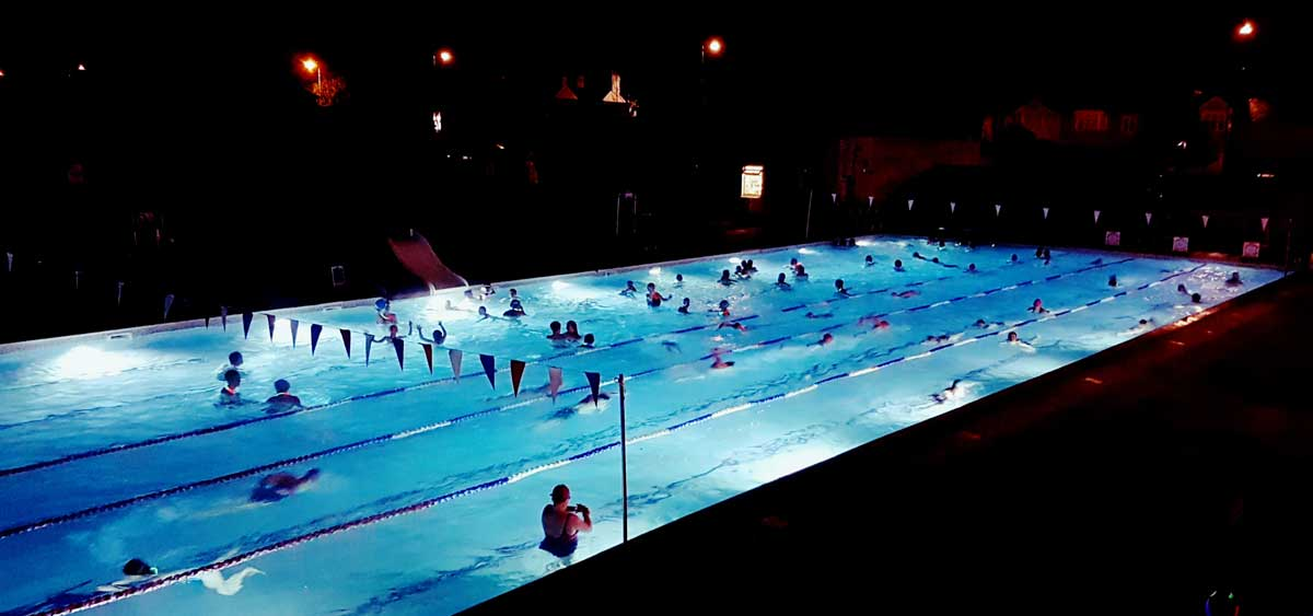 Hampton Pool: The Heated London Swimming Pool For Midnight, Moonlit ...
