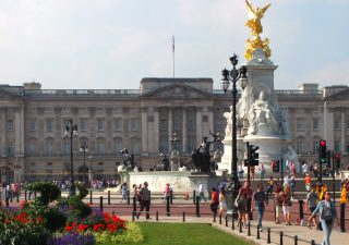 buckingham-palace-pastry-chef