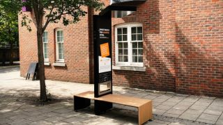 smart-benches-solar-powered-chargers