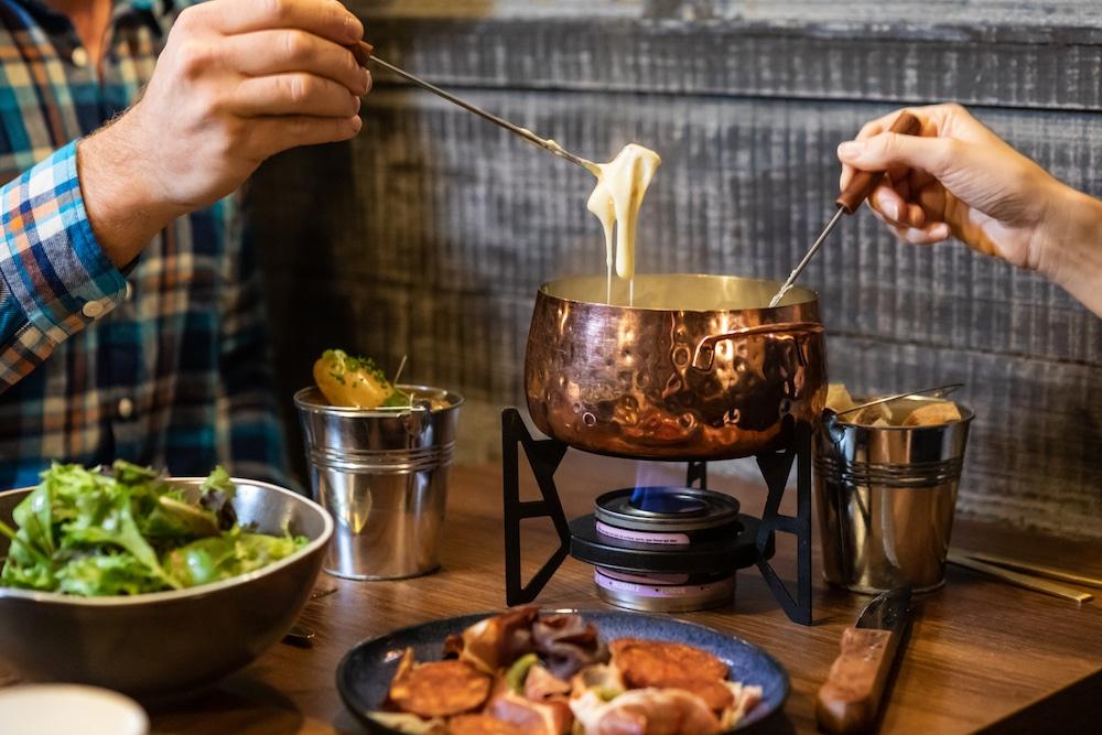 JimmysLodge-BenCarpenter-fondue