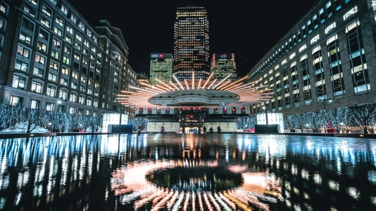 canary-wharf-arts-events-winter-lights-2018-venividimulptiplex-1-741x417