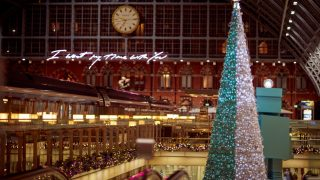 st-pancras-christmas-tree