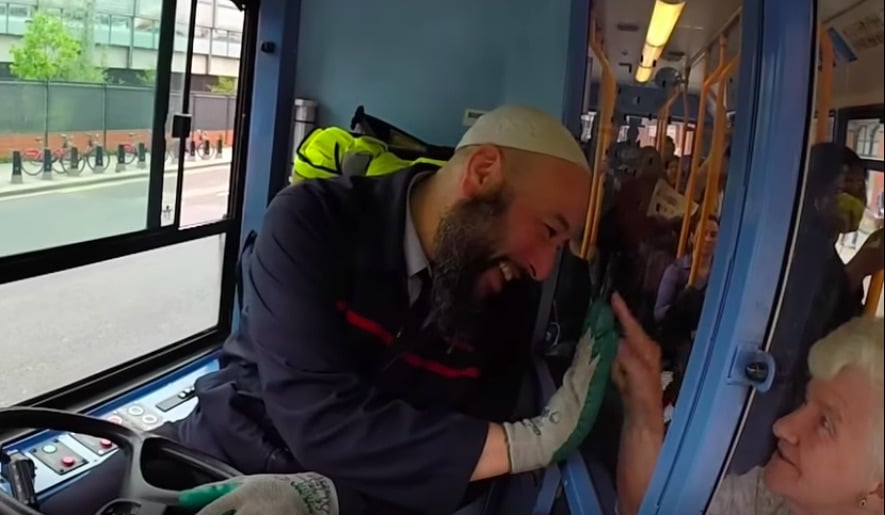 london-bus-driver-friendly
