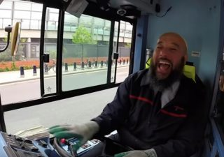 londons-friendliest-bus-driver
