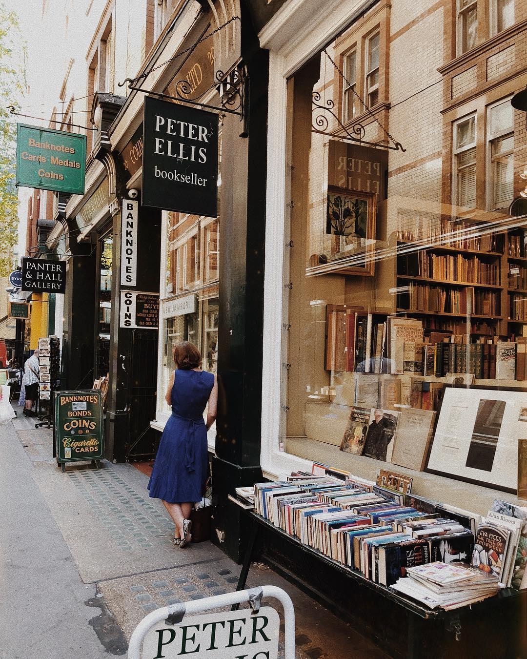 Cecil Court Victoria Alley