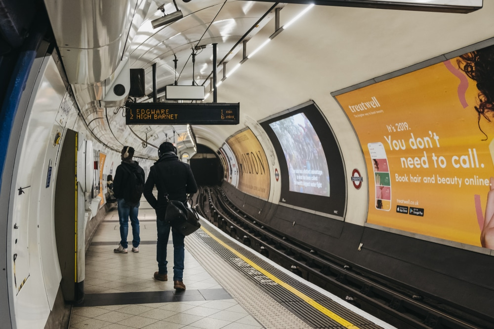 This Is The Heartwarming Reason 'Mind The Gap' Sounds So Different At Embankment Station