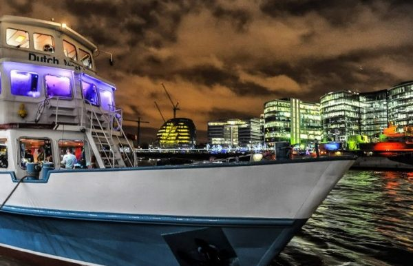 Boat-party-halloween-london