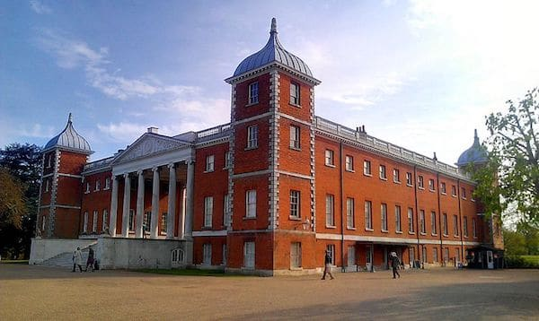 Main_mansion_at_Osterley_Park