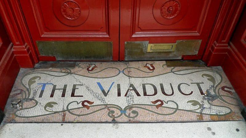 gin-facts-viaduct-tavern-london
