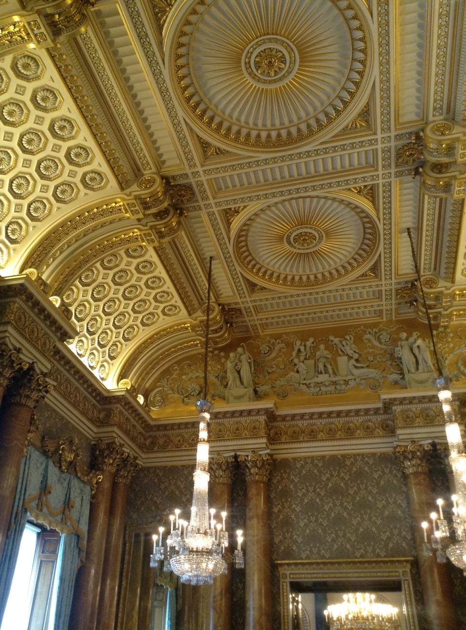 buckingham-palace-london