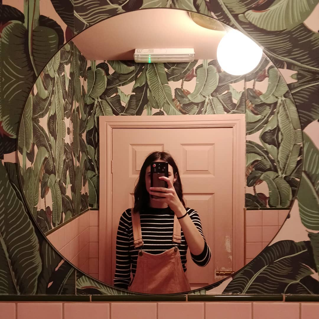palm-vaults-toilet-instagrammable