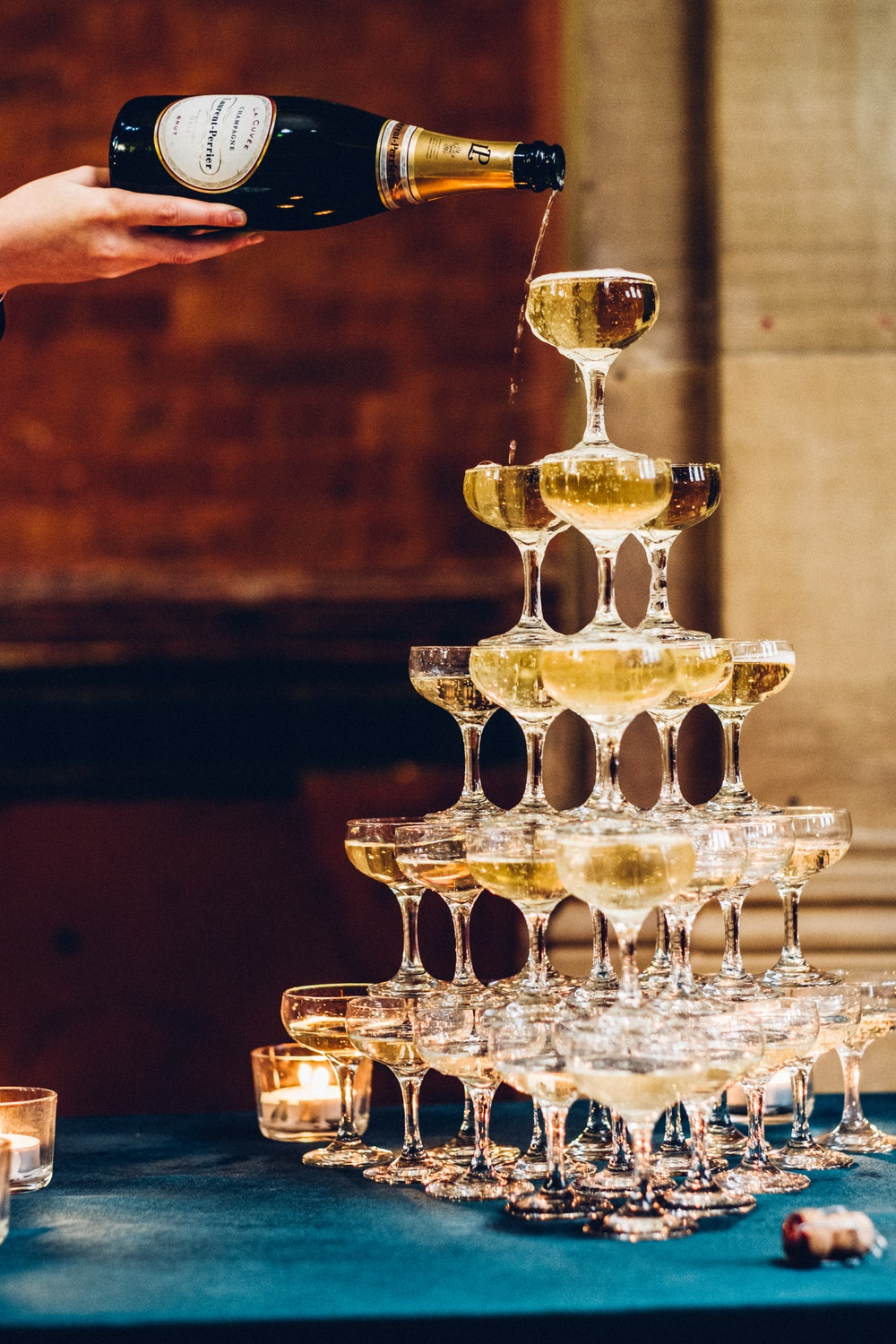 winter-house-champagne-fountain