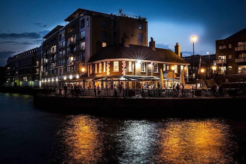 The Narrow Riverside Pub