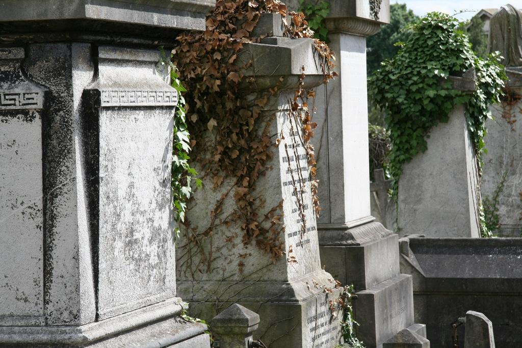 kensal-green-gravestones