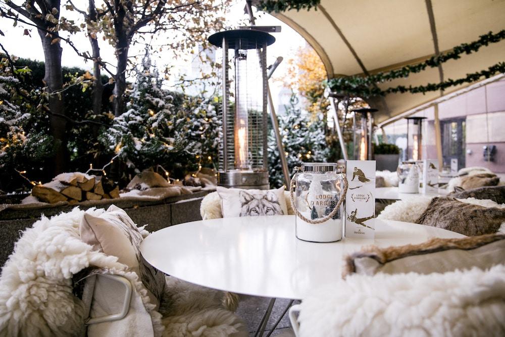 Coq D'Argent Christmas Lodge