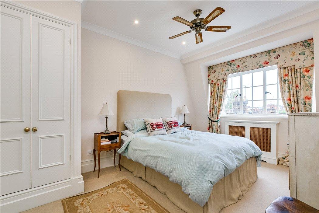 kate-flat-bedroom