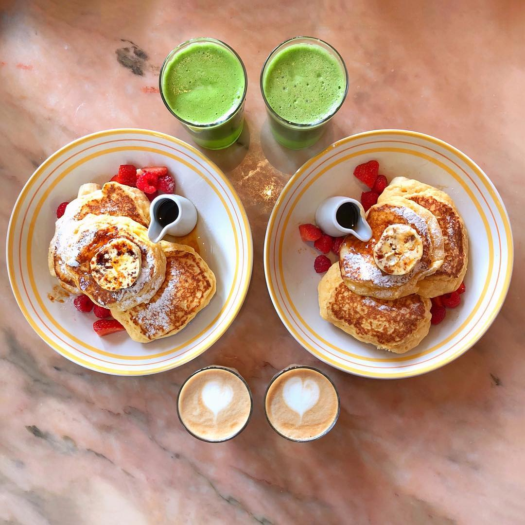 Hot cakes and maple butter, green juices and lattes from Bill Granger 🇦🇺