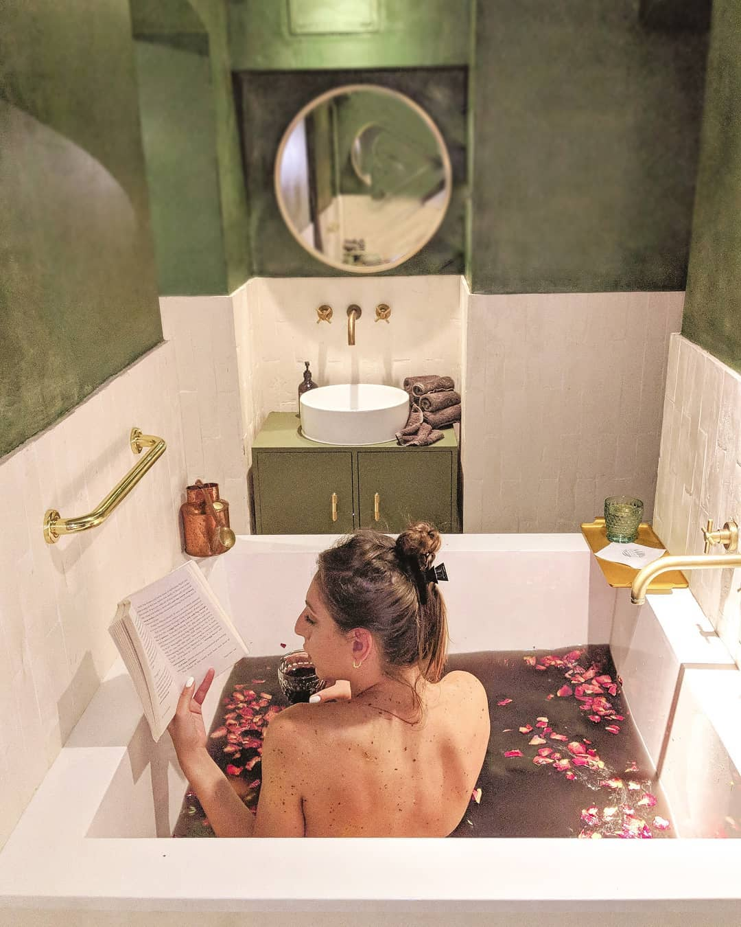 Alphabet Dating Ideas London – M is for Massage and Merlot